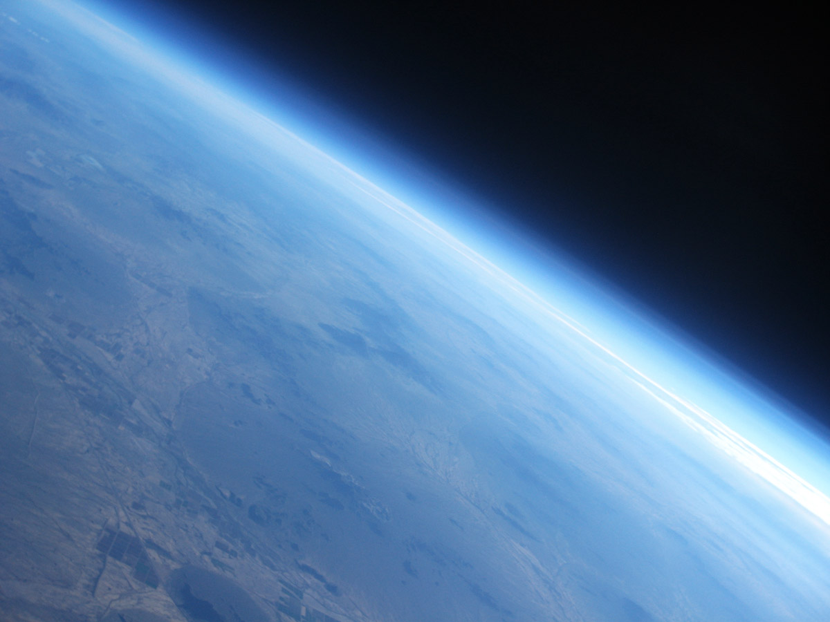 92000 feet high altitude weather balloon burst